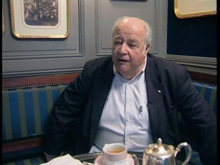 Le tribunal des flagrants délires : Interview de Claude Villers